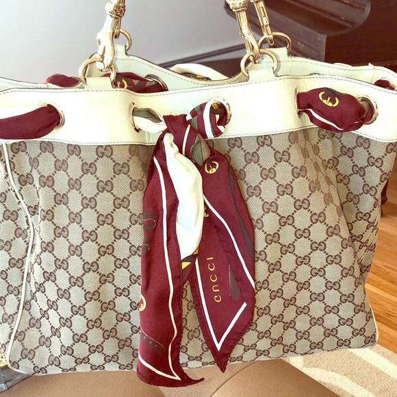 e618d15c19a98e Gucci Handbags - GUCCI Large Positano scarf tote bag *Authentic*